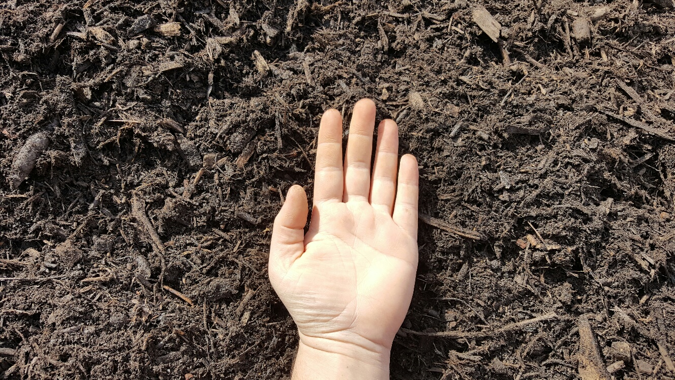 Triple Ground Mulch Hand